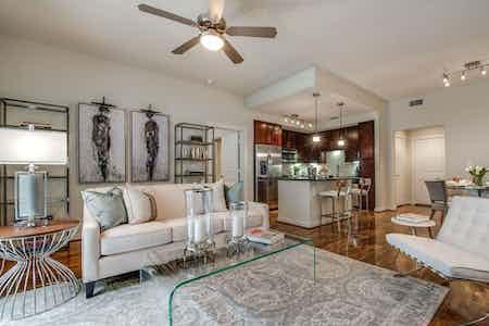Phoenicia Apartments Houston