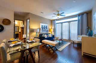 Houston  apartment HOU-402
