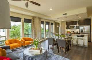 Houston  apartment HOU-889